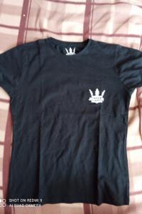 Czarna koszulka...