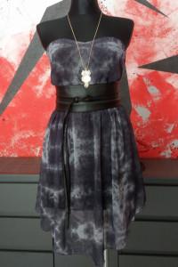 Asymetryczna sukienka z szyfonu bez ramiączek