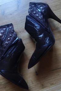 Szpilki botki buty z naturalnej skóry bawolej Why Alberto Ventu...