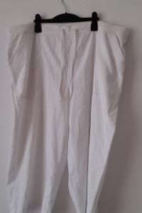 Białe spodnie rybaczki 50