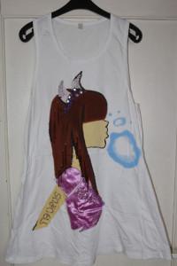 Biała letnia sukienka bokserka nadruk dziewczyna cekiny koraliki rozmiar M L