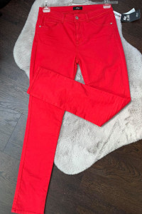 Fajne czerwone spodnie...
