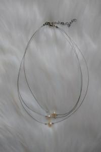 Potrójny łańcuszek z perełkami...