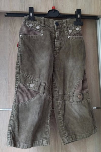 sztruksowe spodnie...