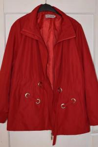 Piękna czerwona kurteczka kurtka przeciwdeszczowa wiosna jesień...