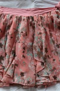 Różowa zwiewna spódnica w niebieskie różowe brązowe kwiaty rozmiar S Morgan