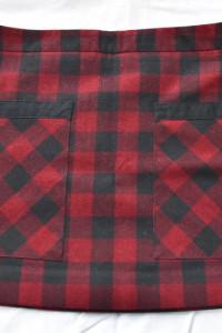 Czarno czerwona spódnica w kratę ciepły materiał podszewka kieszenie rozmiar S Mango