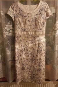 Sukienka rozmiar ok 42 Kremowo biała