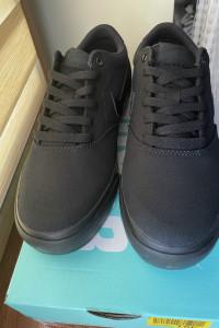 Buty trampki Nike Charge SLR...