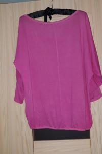 Różowa bluzka z napisem