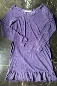 Attrattivo sukienka z falbaną fioletowa długi rękaw rozmiar M 38 stan DB