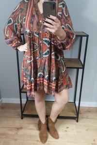 Sukienka ruda...