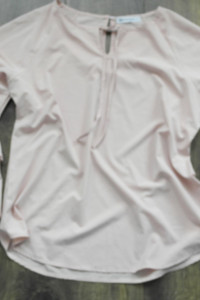 Bluzka z ozdobnymi rękawami L