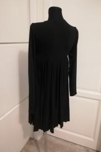 Czarna sukienka plisowana Asos