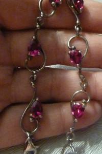 bransoletka srebrna z rubinkami