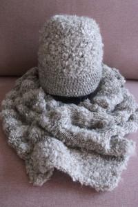 Komplet czapka i szal Handmade