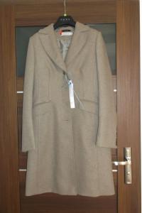 Beżowy płaszcz Huna 38 wełna