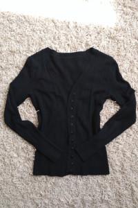 czarny sweterek klasyczny