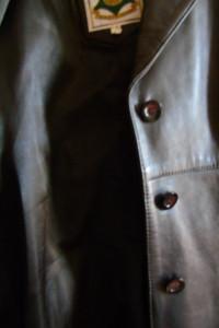 Damska jesienna kurtka skórzana