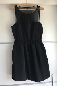 Sukienka czarna rozkloszowana stradivarius roz M...
