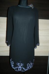 Alice&You czarna sukienka zdobiona roz 42