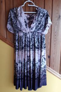 Śliczna sukienka marki M&S Collection...