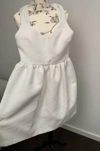Biała sukienka w rozmiarze 36...