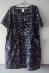 dzianinowa sukienka z kieszeniami...
