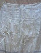 Kremowa spódnica RESERVED
