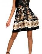 Sliczna Sukienka z wysokiej Jakosci Satyny