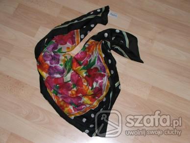 Chusty i apaszki oryginlna kwiatki-groszki