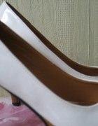 wysokie białe szpilki ;))))