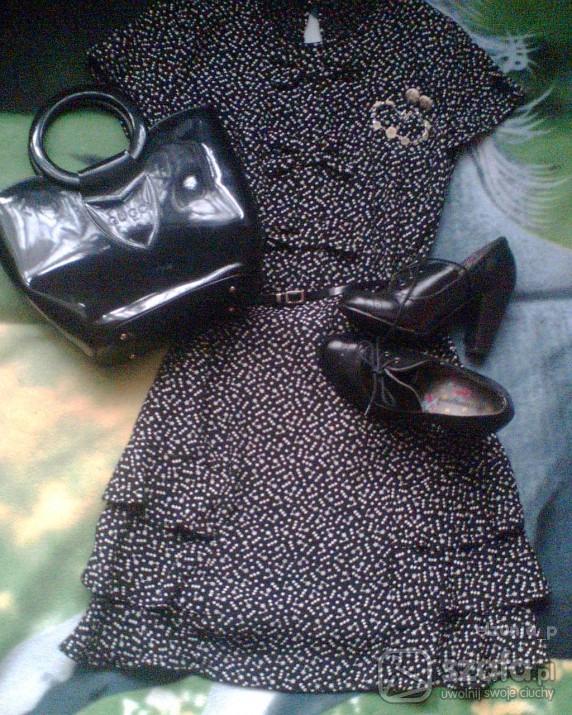 Vintage sukienka w groszki z kokardkami