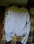 bialy sweterek...