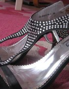 Czarne sandały z kryształkami
