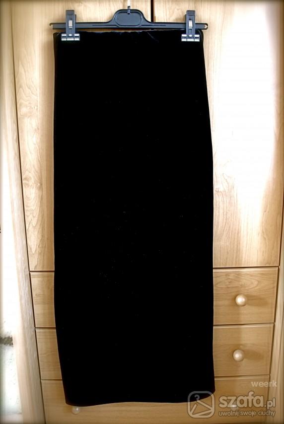 długa czarna elegancka spódnica z atłasu w Spódnice Szafa.pl