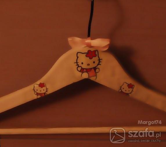 Pozostałe Hello Kitty drewniany słodki wieszaczek