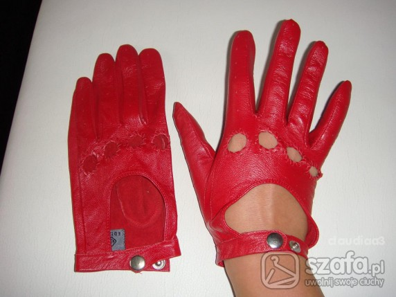 czerwone rękawiczki całuski