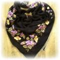 Duża czarna chusta w kwiaty