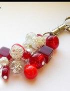 Breloczek do kluczy w czerwieni