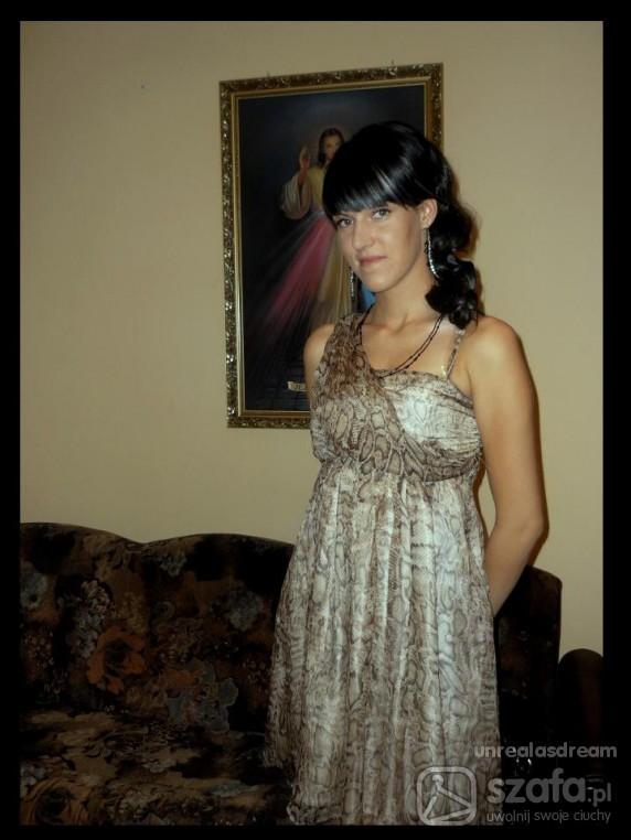 Na specjalne okazje Sukienka Reserved