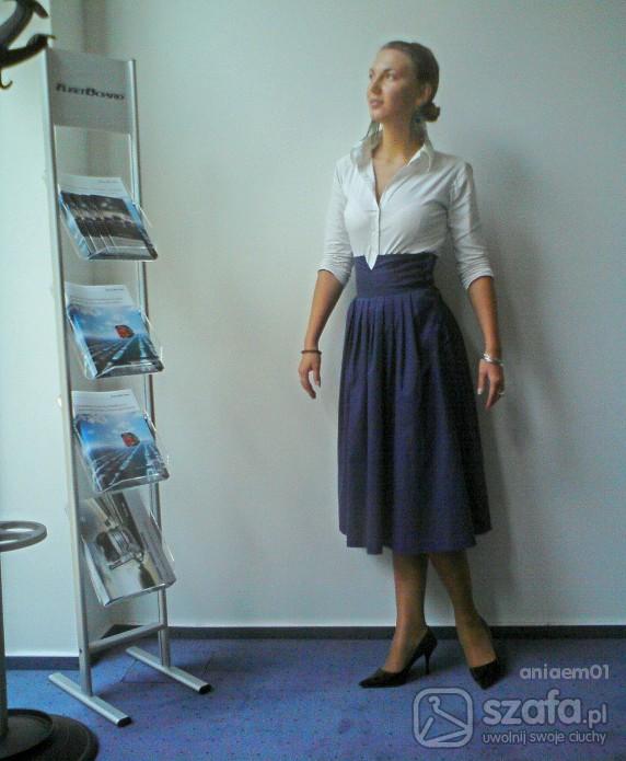 Eleganckie spódnica po mamie