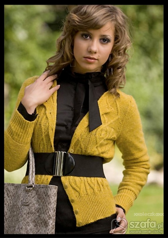 Eleganckie Ponadczasowo elegancki sweterk