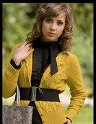 Ponadczasowo elegancki sweterk