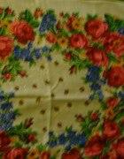 chustka w kwiaty...