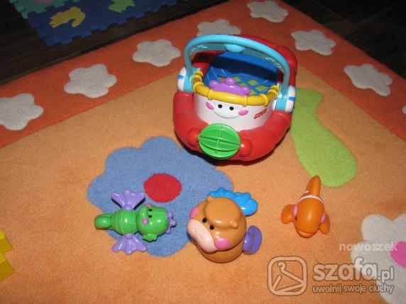 Zabawki wesoły statek ze zwierzątakami
