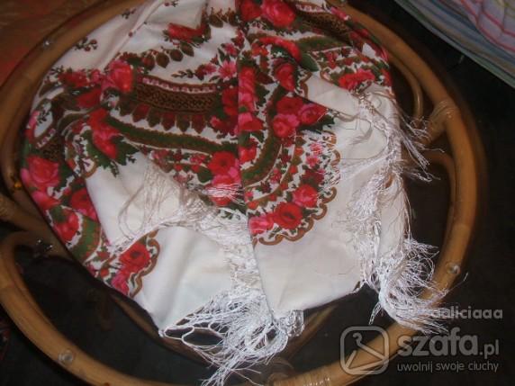 Chusty i apaszki chusta