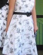 W sukience