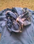 Bluzeczka z bufkami i chusta