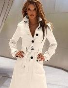 Piękny biały płaszczyk